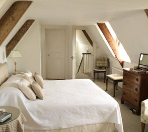 gold-court-house-bed-and-breakfast-accommodation-wareham-dorset-isle-of-purbeck-room_orig
