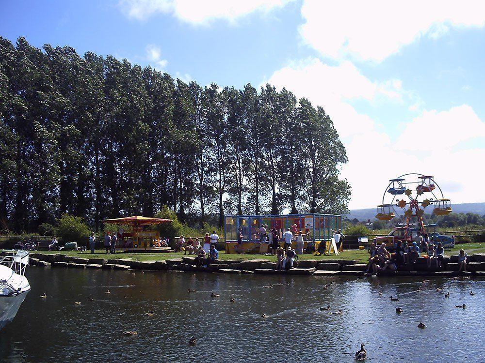 Frome-riverbank-&-fair