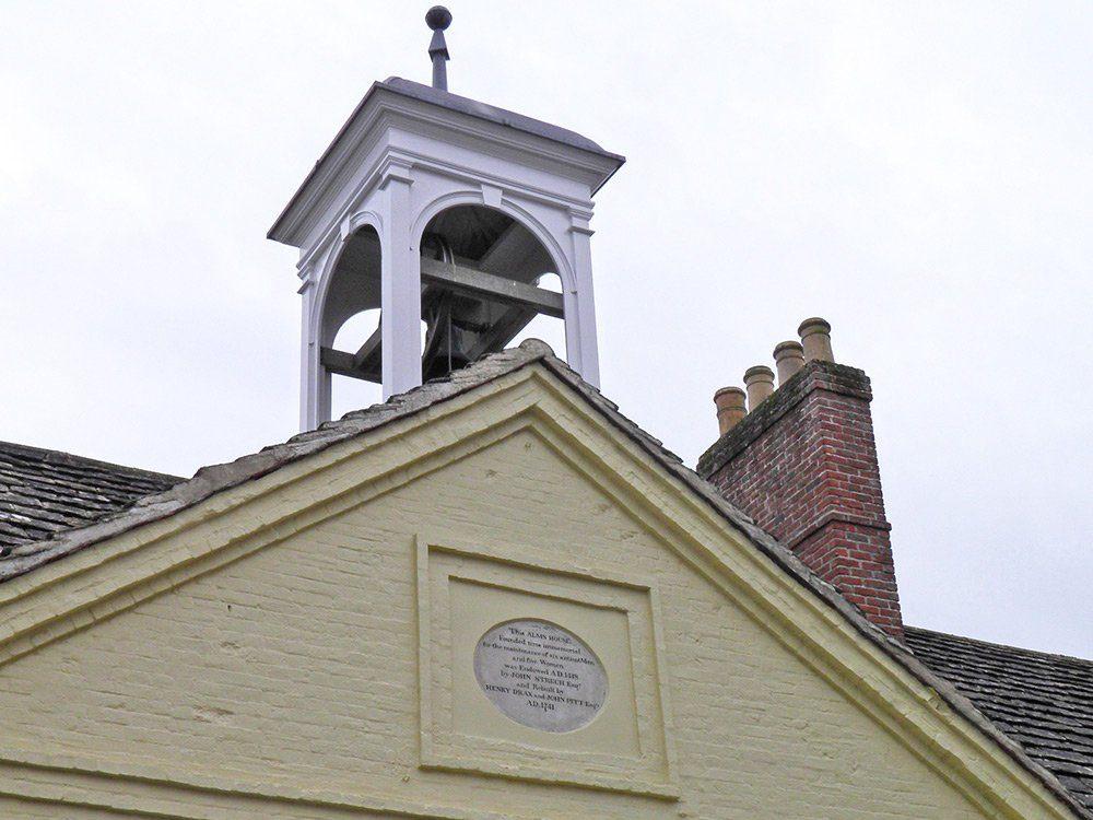Streche-Almshouse-plaque